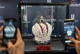 La sixième semaine internationale du diamant a débuté lundi 13 février en Israël, avec la participation de quelque 400 acheteurs de 30 pays et des expositions de plus de 200 compagnies de diamants israéliennes et étrangères.  Photo : AFP/VNA/CVN