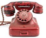Un téléphone ayant appartenu à Hitler vendu aux enchères  pour 243.000 dollars à Chesapeake (Maryland), le 19 février. Photo : AFP/VNA/CVN