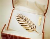 Photographie prise le 10 mai 1997 de la Palme des Palmes, réalisée en or massif 18 carats par Cartier, dans le cadre du cinquanténaire du Festival de Cannes et des 150 ans de Cartier. Photo : AFP/VNA/CVN