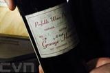 Une très rare bouteille du prestigieux vignoble australien Penfolds a été vendue pour 51.750 dollars australiens (35.158 euros). Photo : AFP/VNA/CVN
