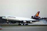 L'Union européenne s'efforce de rouvrir des routes aériennes paralysées par le nuage de cendres volcaniques