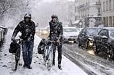 France: la région parisienne est paralysée par la neige