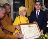 Les activités bouddhiques sur la bonne voie