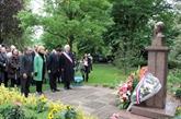 Le 122e anniversaire de Hô Chi Minh célébré en France