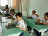 Education : aide à des malvoyants vietnamiens