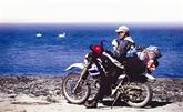 Voyages aux quatre coins du monde au guidon d'une moto-cross