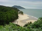 La baie de Bai Tu Long se réveille