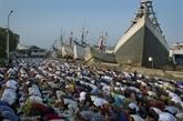 Les musulmans fêtent la fin du Ramadan sur fonds de violences au Pakistan