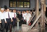 Le chef de l'État rencontre d'ex-prisonniers de Hoa Lo