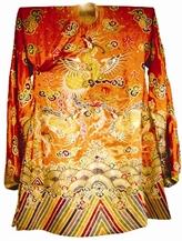 L'art de la broderie des costumes royaux d'hier et d'aujourd'hui