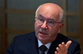 Italie : le nouveau président de la Fédération de football se défend