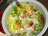 Bánh tráng trộn, salade de feuille de riz