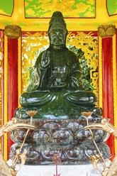 La plus grande statue de jade du Vietnam