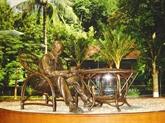 Une statue symbole de la solidarité Vietnam-Mexique