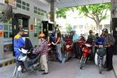 Baisse du prix de l'essence de 1.900 dôngs le litre
