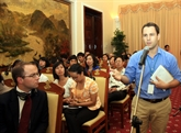 Rencontre entre reporters étrangers permanents au Vietnam