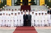 Truong Tân Sang reçoit des dignitaires de l'Église caodaïste