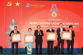 Exploitation de la nouvelle plate-forme du gisement pétrolier Tê Giac Trang