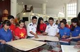 Des documents sur la souveraineté maritime du Vietnam exposés à Hoà Binh