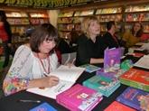 Susie Morgenstern au Vietnam pour partager son amour des livres
