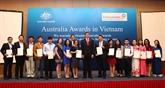 Remise de bourses australiennes à 139 étudiants vietnamiens