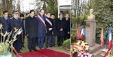 Nguyên Tân Dung rencontre un réponsable de l'Association d'amitié France-Vietnam