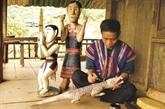 Les statues funéraires de l'ethnie Co Tu
