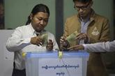 Les électeurs birmans aux urnes pour des législatives