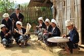 Le tissage de brocatelle chez les Dzao tiên àCao Bang