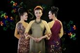 L'ao dài, tunique traditionnelle des Vietnamiennes, présenté à New York