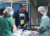 L'hôpital ophtalmologique volant Orbis vient en aide aux habitants de Huê