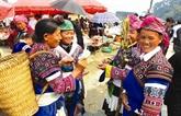 Le marché montagnard de Dào San