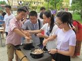 Les étudiants ont mis la main à la pâte