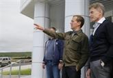 Le Premier ministre russe Medvedev visite les îles Kouriles, disputées avec le Japon