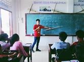 Les étudiants volontaires contribuent à approfondir l'amitié Vietnam - Laos