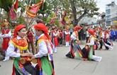 Représentation d'anciennes danses de Thang Long à l'occasion de la libération de la capitale