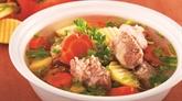 Potage de travers de porc aux pommes de terre et aux carottes