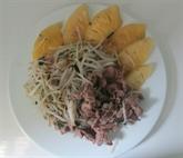 Germes de haricot sautés à l'ananas et au bœuf