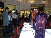 Exposition de tenues de Cour de la dynastie des Nguyên