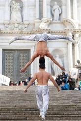 Cirque : des artistes du Vietnam établissent un nouveau record mondial