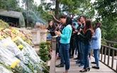 De nombreux visiteurs rendent hommage au général Vo Nguyên Giap