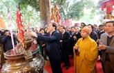 Offrande d'encens en hommage des rois de Thang Long - Hanoi