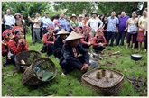 Cérémonie de culte au fondateur du village chez les La Hu