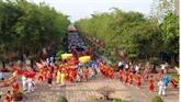 Offrande d'encens aux rois fondateurs Hùng au Mexique
