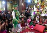 Du hat vaninterprété dans le Vieux quartier de Hanoi
