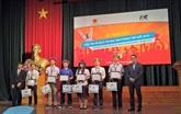 Six Vietnamiens au concours international d'informatique bureautique