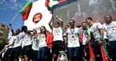 Retour triomphal au Portugal des hommes de Ronaldo