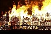Une maquette géante du Londres de 1666 brûlée en souvenir du Grand incendie