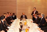 Le Premier ministre Nguyên Xuân Phuc dialogue avec les entreprises à Davos