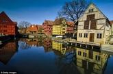 Aarhus et Paphos dénommées